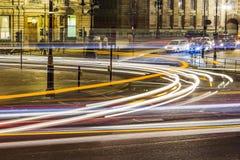 交通在特拉法加广场的晚上 免版税库存图片