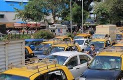 交通堵塞出租车孟买印度 免版税库存照片