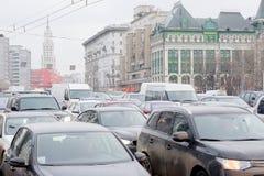 交通堵塞在城市莫斯科 免版税库存照片