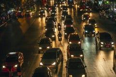交通堵塞在曼谷在晚上 免版税库存图片