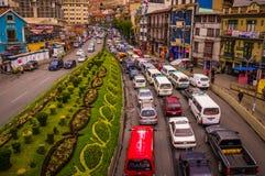 交通堵塞在高峰时间在市中心 库存图片