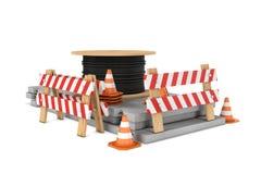 交通锥体、篱芭和在白色背景隔绝的电缆盘翻译  免版税图库摄影