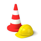 交通锥体和在白色背景隔绝的安全帽象 免版税图库摄影