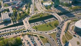 交通鸟瞰图在bussy连接点的 股票录像