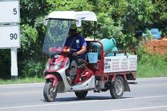 交付气体的lpg摩托车 免版税库存图片