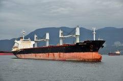 交付货物, roaring25的商务船 免版税库存照片