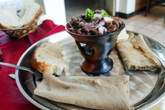 亦称传统oromo和埃赛俄比亚的烹调断送tibs埃塞俄比亚 库存照片