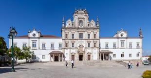 亦称圣塔伦看见大教堂在17世纪矫揉造作者样式建造的诺萨Senhora da康塞桑教会 免版税库存照片