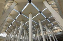 亦称小组在马来西亚全国清真寺Masjid Negara的柱子 库存照片