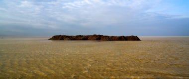 亦称盐湖日落的Karum湖Assale或Asale,在远处Danakil,埃塞俄比亚 免版税库存图片
