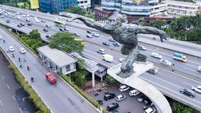 亦称Dirgantara雕象在Pancoran连接点的Tugu Pancoran纪念碑 免版税库存照片