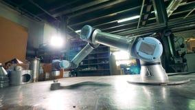 产业机器人自动地移动 股票录像
