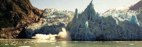 产犊冰川 免版税库存照片