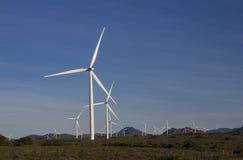 产生南非的力量的风轮机 免版税库存图片