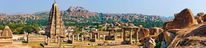 亨比全景, Virupaksha寺庙的看法 库存图片