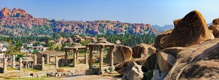 亨比全景, Virupaksha寺庙的看法 库存照片