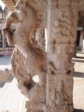 亨比寺庙复合体,联合国科教文组织世界遗产名录站点在卡纳塔克邦,印度 免版税库存照片