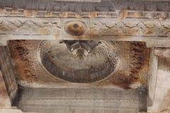 亨比Vittala寺庙螺旋花卉莲花设计了天花板雕刻与神 图库摄影
