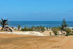 亨蒂斯湾海滩前面 免版税库存照片