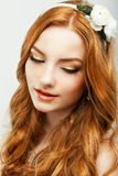 享受。地道金头发妇女画象有自然干净的健康皮肤的。阴物 库存照片