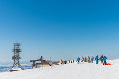 享受一个美好的冬天的挡雪板 库存照片