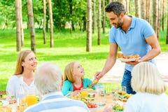 享受与家庭的时间 免版税图库摄影