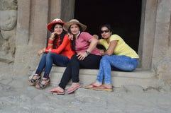 享受假日外出的朋友在孟买市在马哈拉施特拉印度 免版税图库摄影