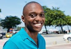 享受夏令时的笑的非裔美国人的人 库存照片