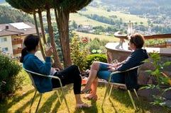 享受意大利假日的妇女 免版税库存照片