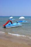 享受星期日行程的小船日 库存图片