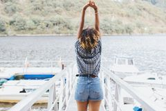 享受暑假的女孩 图库摄影