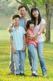 享受步行的亚洲家庭 图库摄影