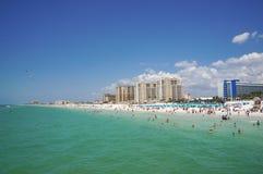 享用水, Clearwater海滩佛罗里达,春假的人们 库存图片