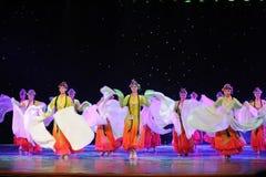 京剧女演员中国长的袖子这校园展示 库存照片