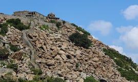 京格埃埃堡垒小山侧视图 免版税库存图片