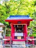 京都,日本- 2017年7月05日:关闭一红色风格化小屋japanesse在京都 库存照片