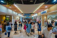 京都,日本- 2017年7月05日:人人群赶紧在Keihan火车站在京都,日本 Keihan铁路局 库存照片