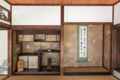 京都,日本- 2015年10月09日:寺庙内部在京都,日本 库存图片