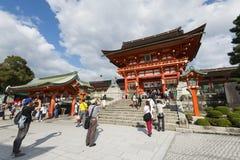 京都,日本- 2016年10月6日:Fushimi Inari寺庙,京都,日本入口  免版税库存照片