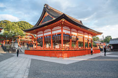京都,日本12月14日2015年:红色花托门看法在Fushimi的 免版税库存照片