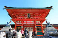 京都,日本- 1月14 :在Ro前面的一个巨型torii门 图库摄影