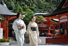 京都,日本- 2012年10月23日: Fushimi的Inari日本女孩 库存图片