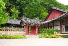 亭子在古老佛教徒修道院Pohyon,北朝鲜里 库存图片