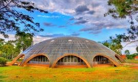 亮光圆顶,澳洲科学院在堪培拉 在1959年修造 免版税库存照片