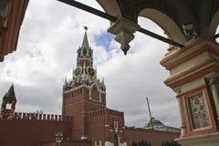 亲切的克里姆林宫莫斯科晚上spassky塔 免版税库存图片