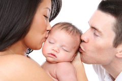 亲吻父项的婴孩 库存图片