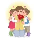 亲吻妈妈的男孩和女孩 免版税库存照片