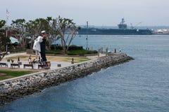 亲吻雕象在圣地亚哥,加利福尼亚 免版税图库摄影