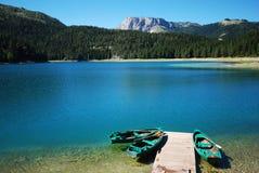 人为大厦创建了水坝湖montenegro 库存图片