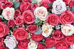 人为玫瑰花束  免版税库存图片